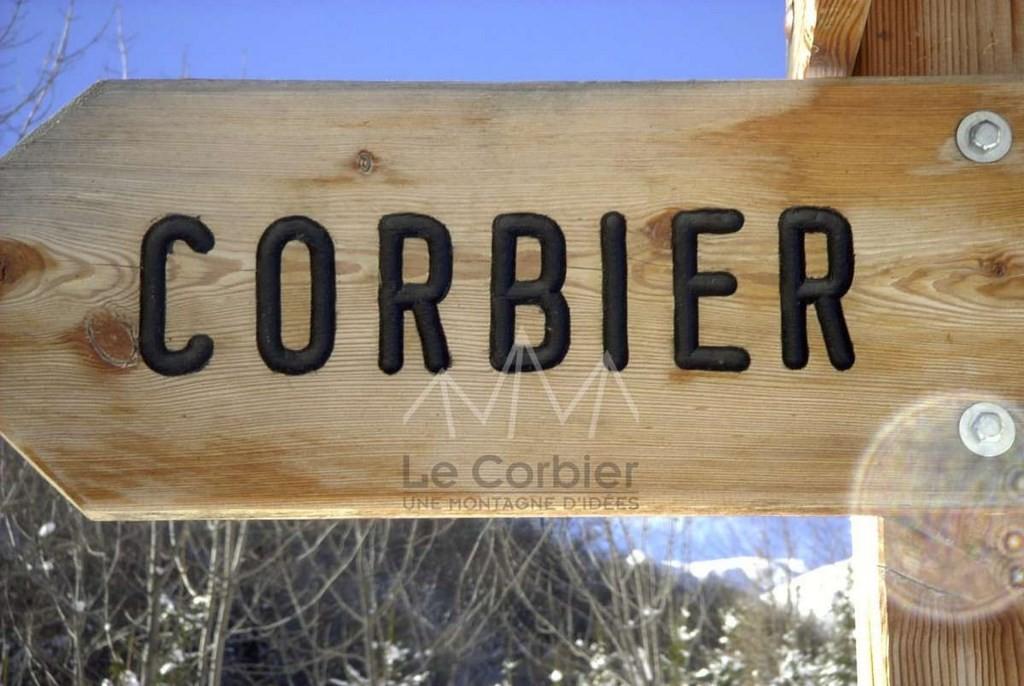 (c) OT Le Corbier