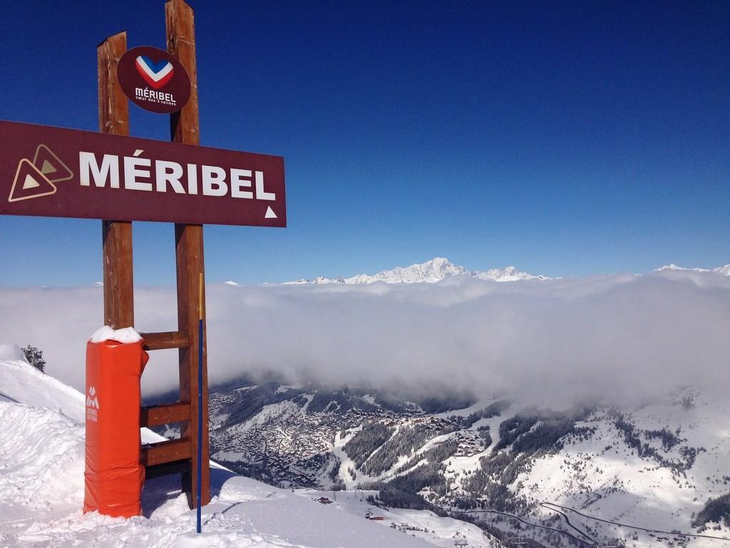 (c) MERIBEL TOURISME