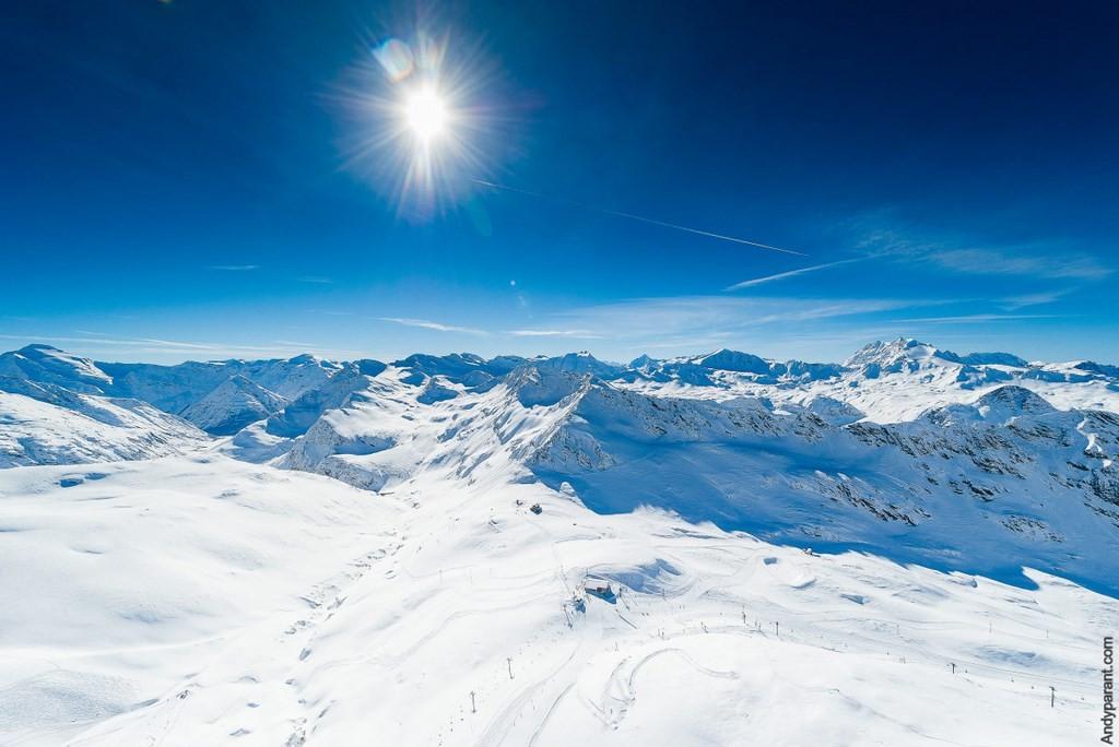 (c) OT Val d'Isère